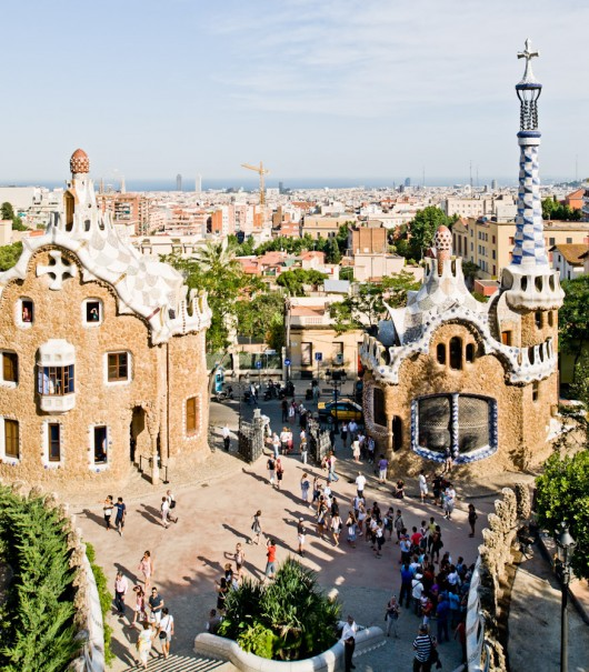 The Güell Pavilions in Barcelona, Spain. Image Courtesy of Samuel Ludwig
